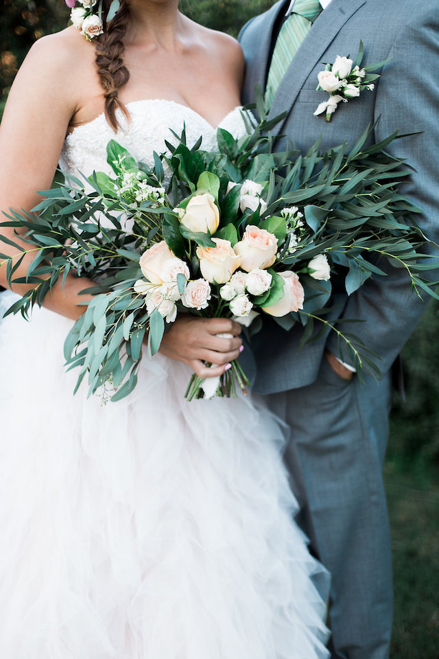 Garden rose bridal bouquet | Stephanie Ponce Photography
