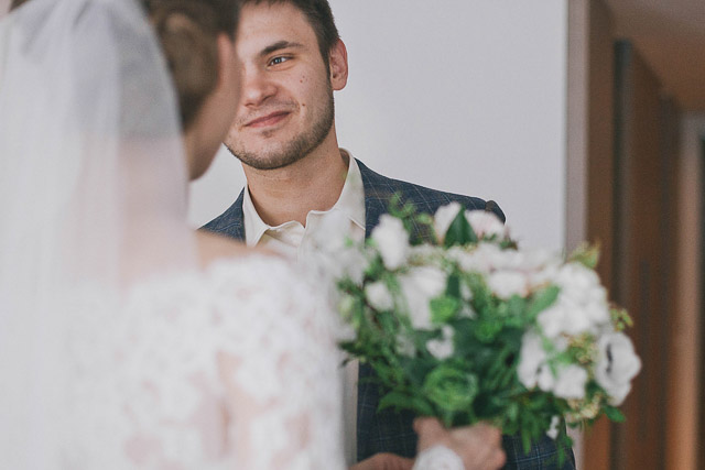bride and groom first look Photographer Elina Sazonova