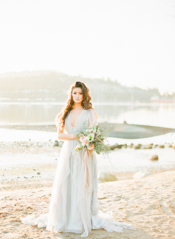 Nordic beach wedding inspiration - photo by Simply Sweet Photography by Nomo Akisawa http://ruffledblog.com/nordic-beach-wedding-inspiration