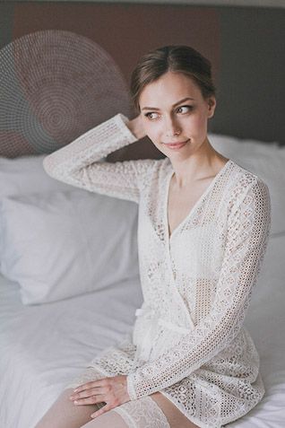 lace bridal robe Photographer Elina Sazonova