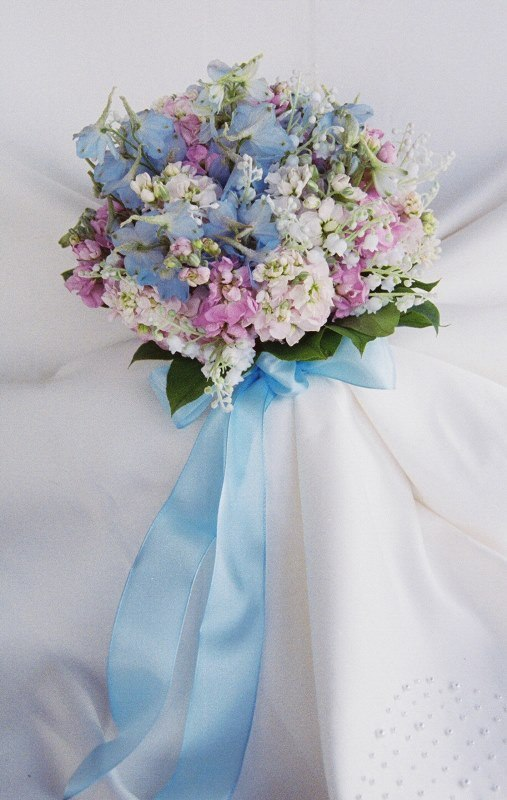 16-charming-serenity-wedding-bouquets- 15