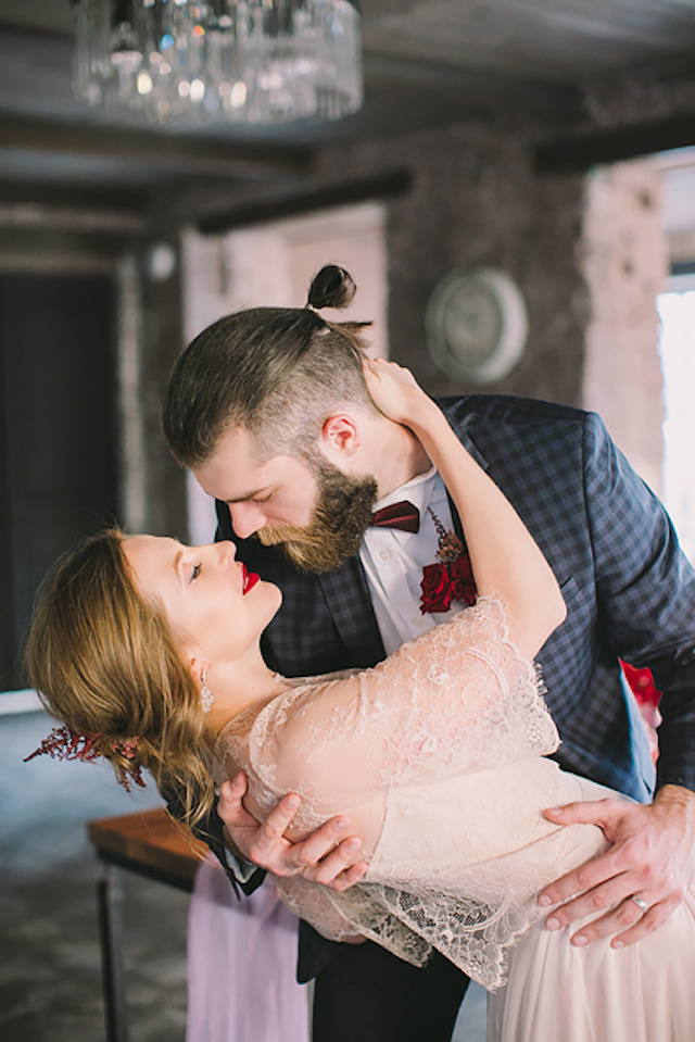 Romantic red wedding inspiration shoot | Natalia Donskih Photography
