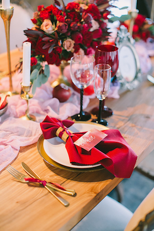 Red linen napkins | Natalia Donskih Photography