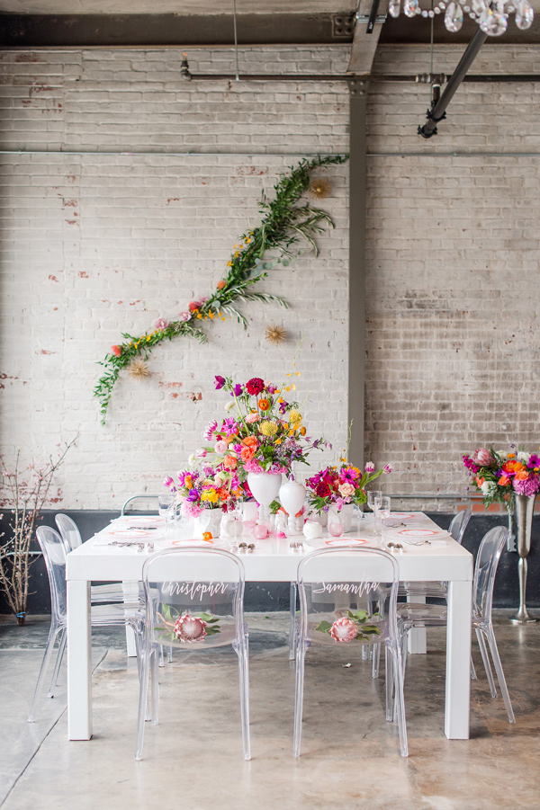 bright modern reception - photo by Tina Jay Photography http://ruffledblog.com/bright-and-modern-vow-renewal