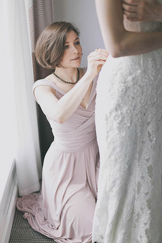 bride getting ready Photographer Elina Sazonova
