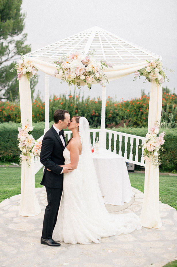 Romantic wedding photo -Melvin Gilbert Photography