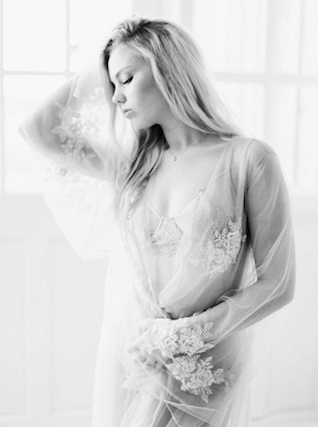 Feminine bridal boudoir | Callie Manion Photography