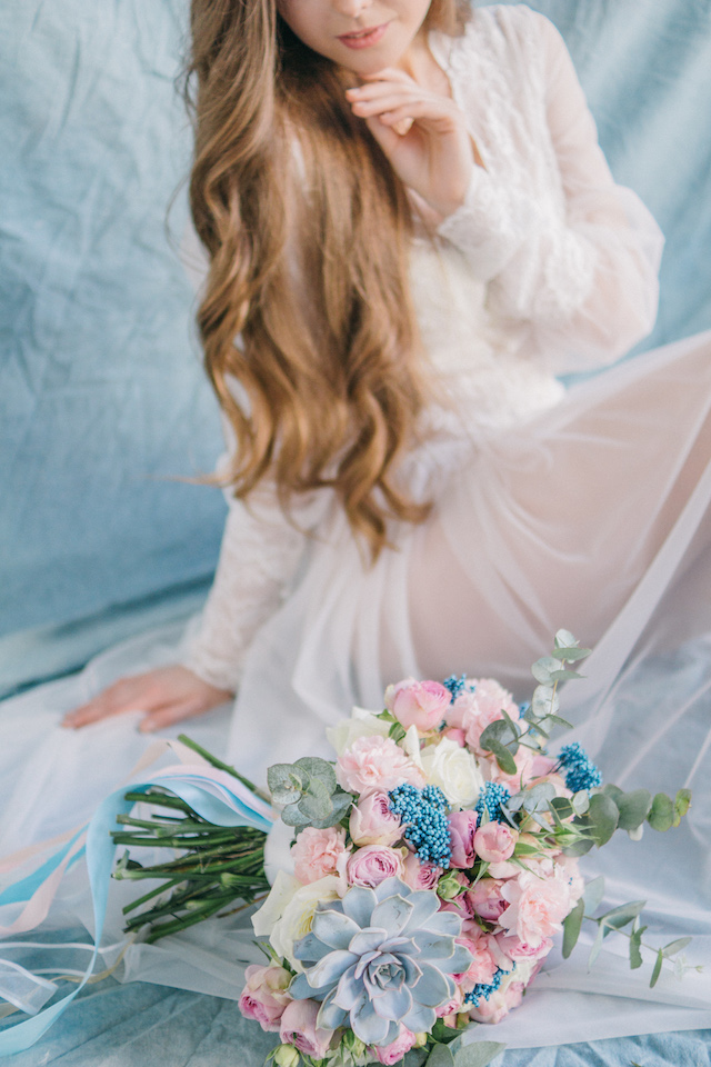 Pastel bridal boudoir ideas | Anna Bamm Photography