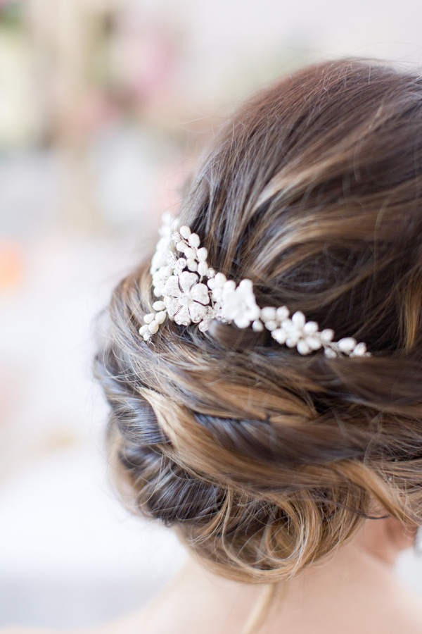 bridal hair accessories - photo by Amy and Jordan Photography http://ruffledblog.com/handcrafted-romance-wedding-inspiration