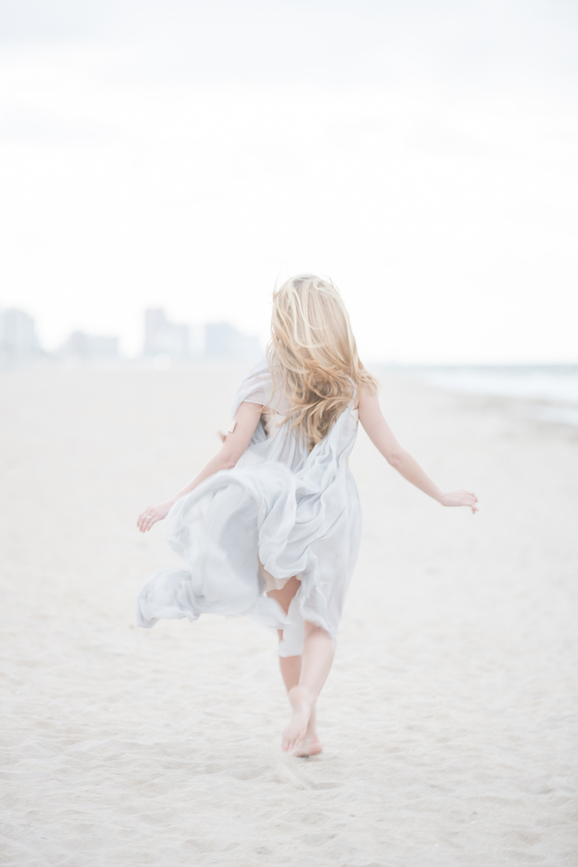Ballerina bridal session on the beach | 1313 Photography