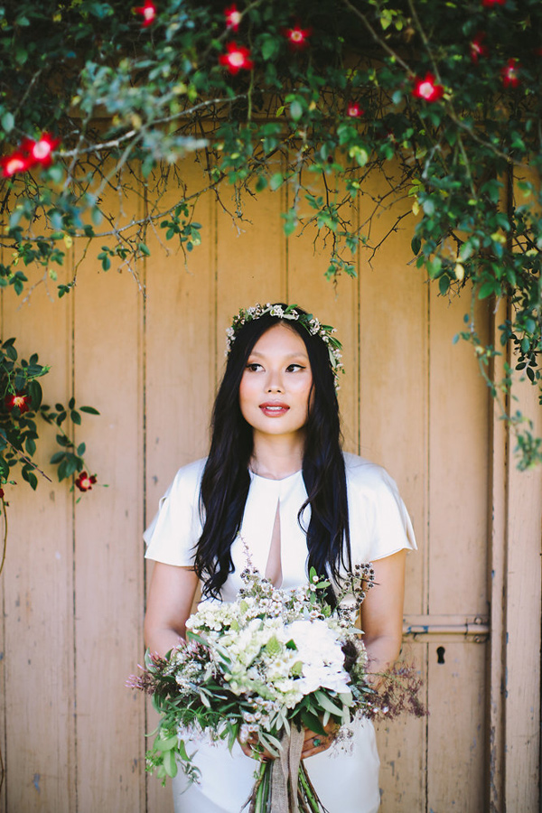 bridal portrait - photo by Lara Hotz Photography http://ruffledblog.com/botanical-australian-barn-wedding
