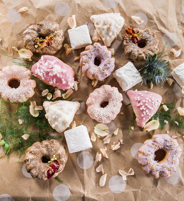 pretty pastries - photo by Jessica Cooper Photography http://ruffledblog.com/sweet-caroline-bridal-collection