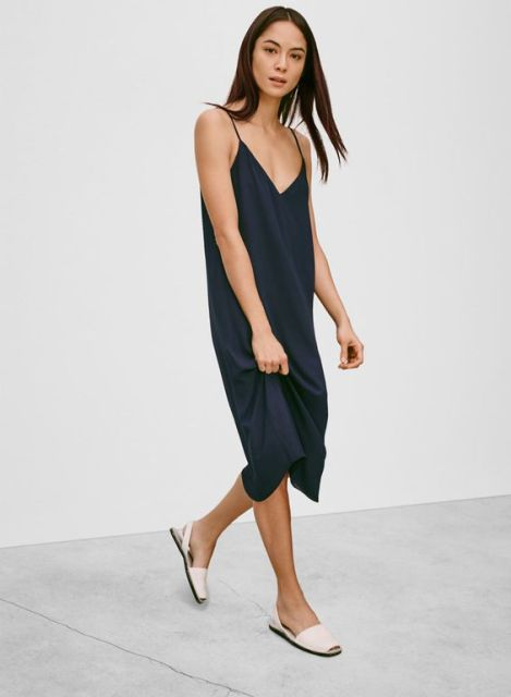 17 Summer Outfits With Simple Slip Dresses