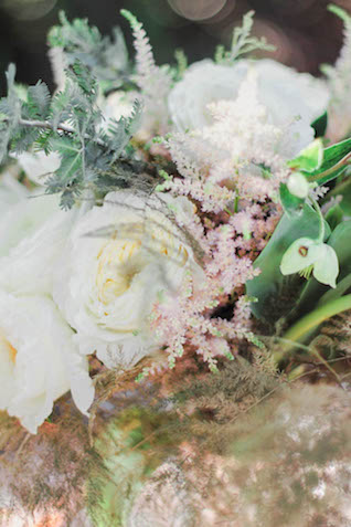 White peony bridal bouquet | Alissa Noelle Photography
