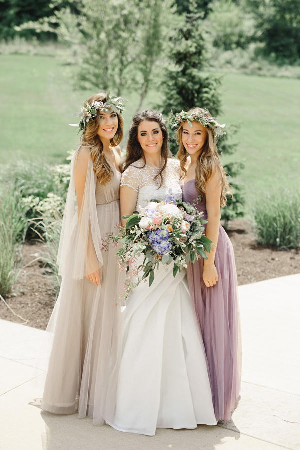 bride and bridesmaids - photo by Logan Clement Photography http://ruffledblog.com/romantic-iowa-wedding