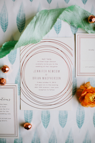Rose gold and white wedding invitations | Betsi Ewing Photography | @AisleSociety and @Minted | #aislesociety #MintedWeddings #ASforMinted #styledbyaislesociety