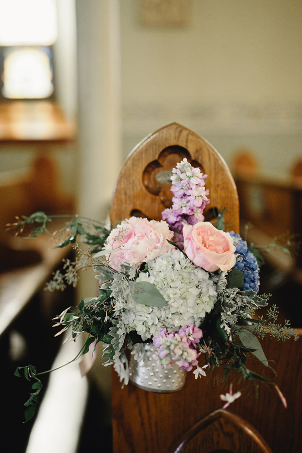 ceremony flowers - photo by Logan Clement Photography http://ruffledblog.com/romantic-iowa-wedding