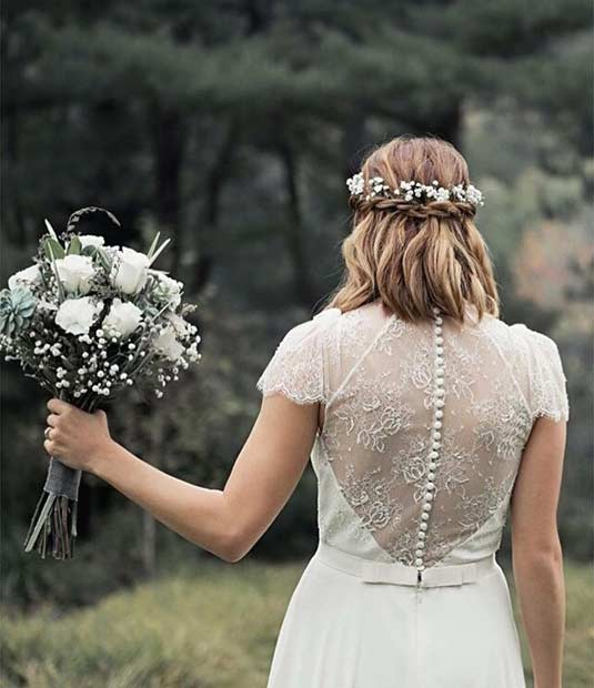 Simple Half Up Wedding Hairstyle for Brides with Short Hair