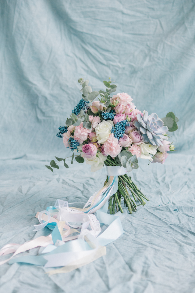 Pastel bridal bouquet | Anna Bamm Photography