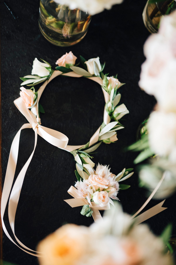 floral wreath - photo by Steve Stanton Photography http://ruffledblog.com/greek-inspired-colorado-ranch-wedding