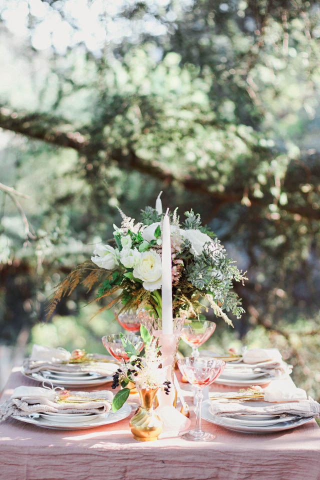 Rose quartz garden wedding reception | Alissa Noelle Photography
