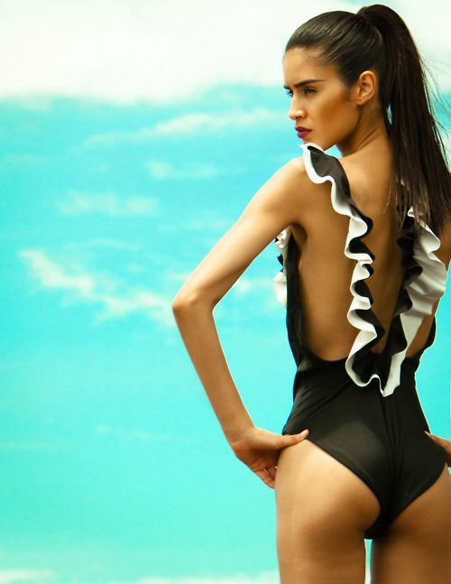 25 Eye Catchy Ruffle Swimsuits That You Might Want To Try
