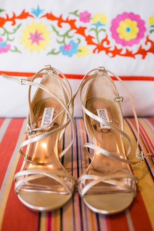 Gold wedding shoes | Ana & Jerome Photography