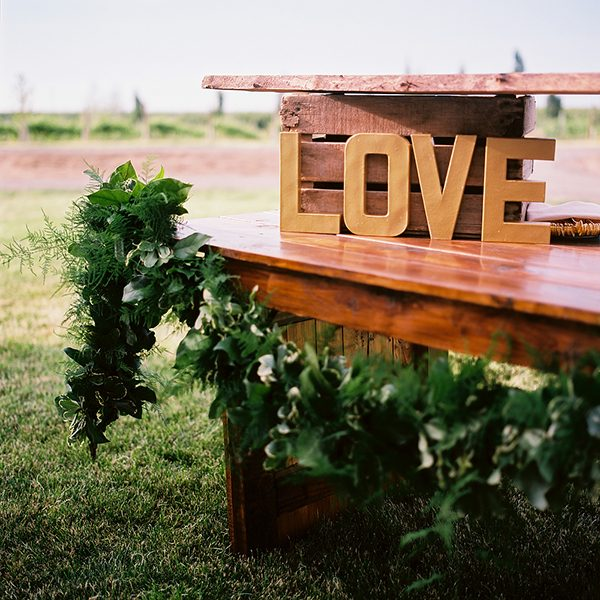 wedding decor ideas photo by Ryan Flynn Photography http://ruffledblog.com/walla-walla-vineyard-wedding