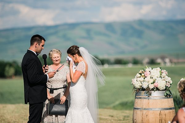 vineyard weddings photo by Ryan Flynn Photography http://ruffledblog.com/walla-walla-vineyard-wedding