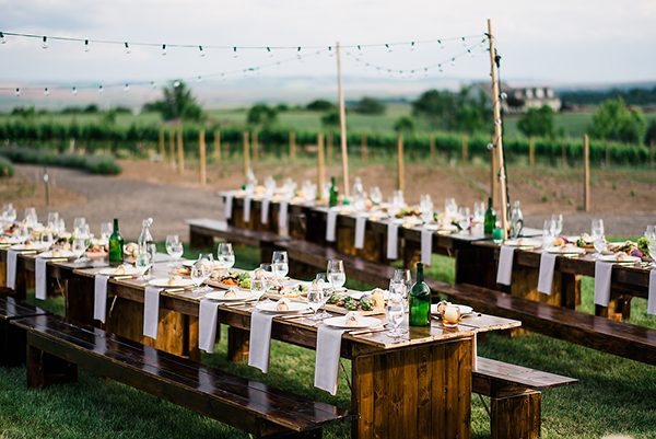 outdoor wedding receptions photo by Ryan Flynn Photography http://ruffledblog.com/walla-walla-vineyard-wedding