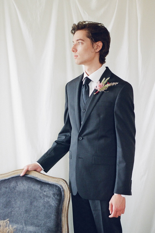Groom in navy suit | Jess Watson Photography