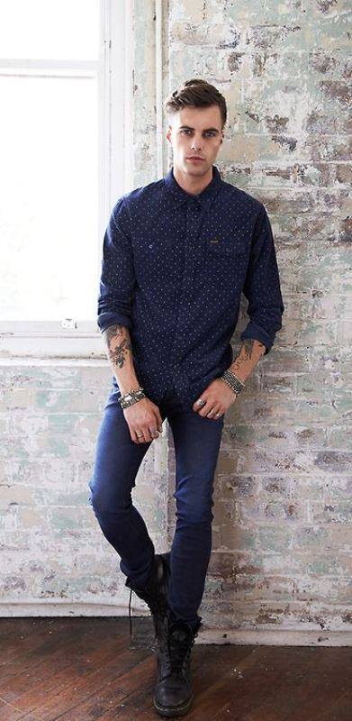 Skinny Jeans With A Printed Button Down Shirt