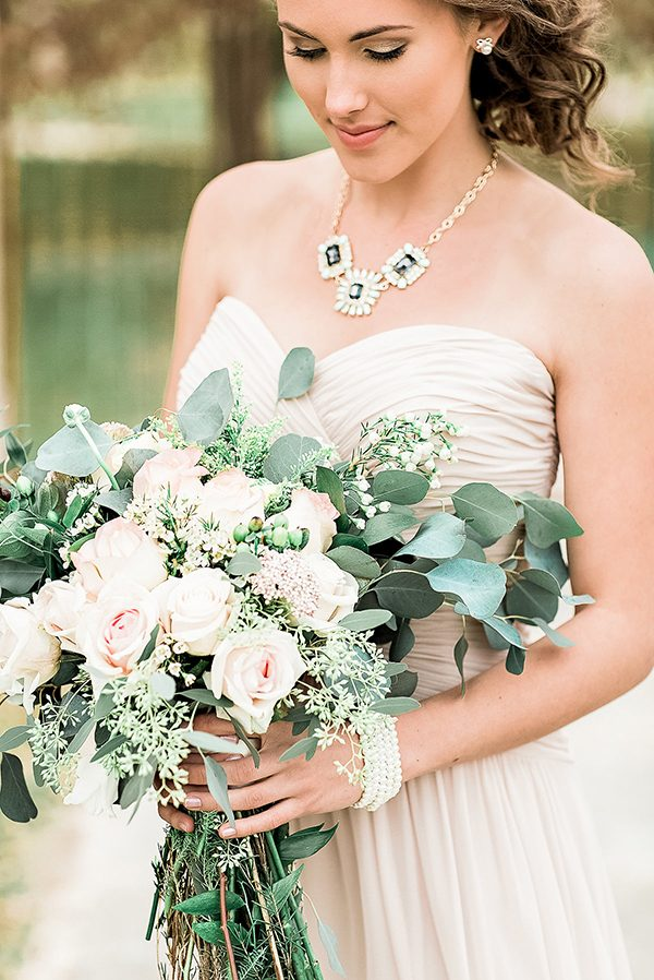 bridesmaids bouquets - photo by Erin Wilson Photography and Angela Sostarich Photography http://ruffledblog.com/southern-oak-tree-wedding-inspiration