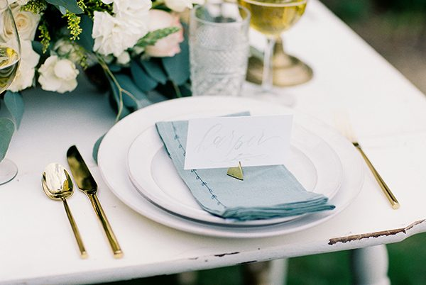 wedding place settings - photo by Erin Wilson Photography and Angela Sostarich Photography http://ruffledblog.com/southern-oak-tree-wedding-inspiration