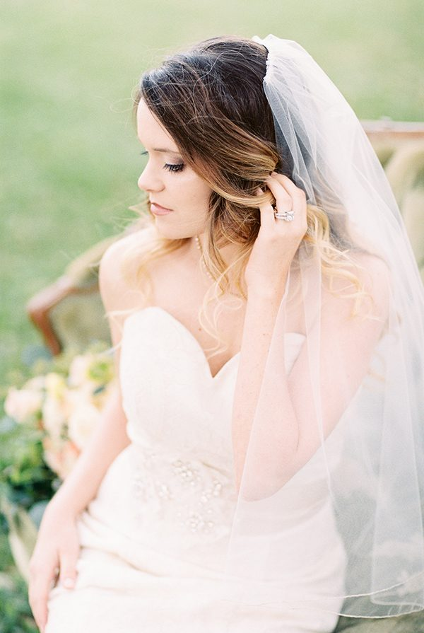 bridal photos - photo by Erin Wilson Photography and Angela Sostarich Photography http://ruffledblog.com/southern-oak-tree-wedding-inspiration