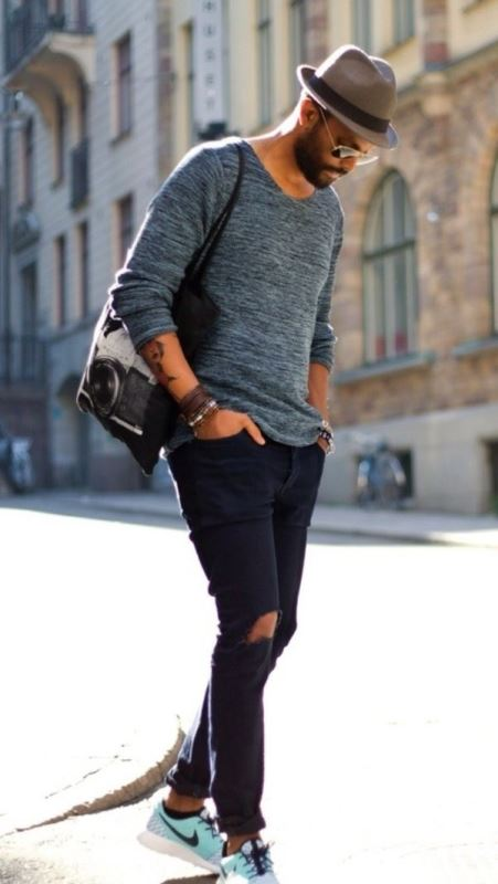 Crew neck Sweater With Black Skinny Jeans