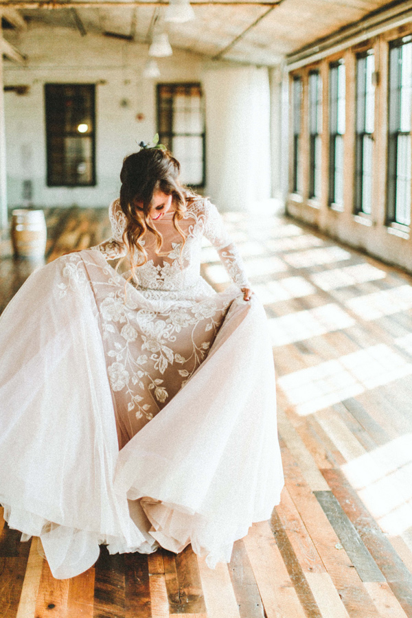 lace wedding gown - photo by Giving Tree Photography http://ruffledblog.com/copper-fruit-wedding-inspiration