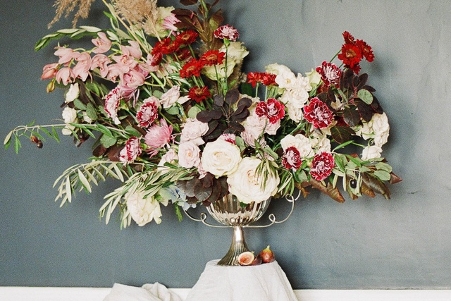 overflowing floral arrangement | Jess Watson Photography