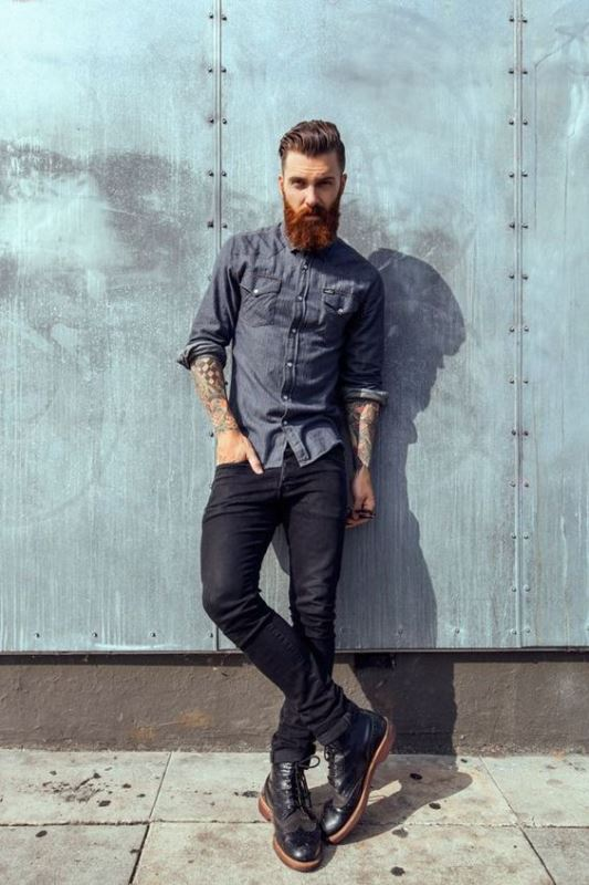 Black Skinny Jeans With A Casual Button Down Shirt