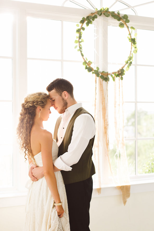 airy boho beach styled shoot Photography: Brooke Michelle Photography