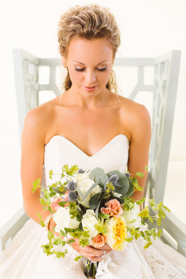 Bride with bouquet | Photography: Brooke Michelle Photography