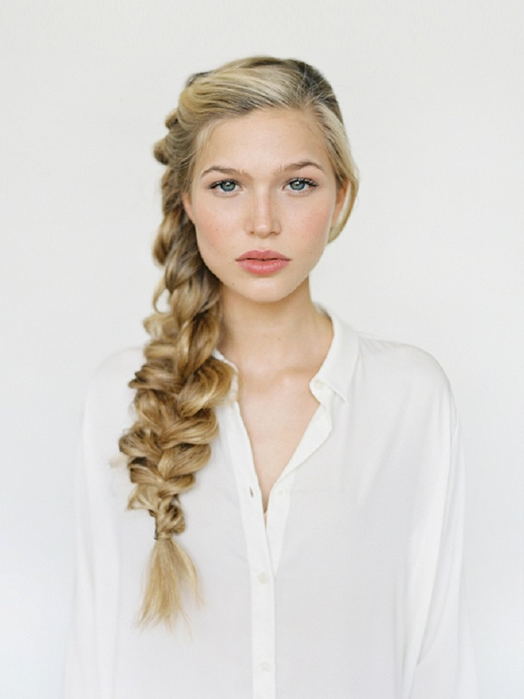 There are so many questions popping up on your mind: should you keep your hair straight or curl it? Or maybe have an updo or brad? Is it going to better this way or that way? With the Internet nowadays you can come up with an idea very soon. There is no need for you to search - we have already picked 10 super romantic hairstyles for your big day. #hairstyle