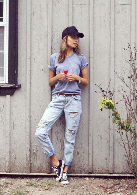 Outfit with distressed jeans and baseball cap
