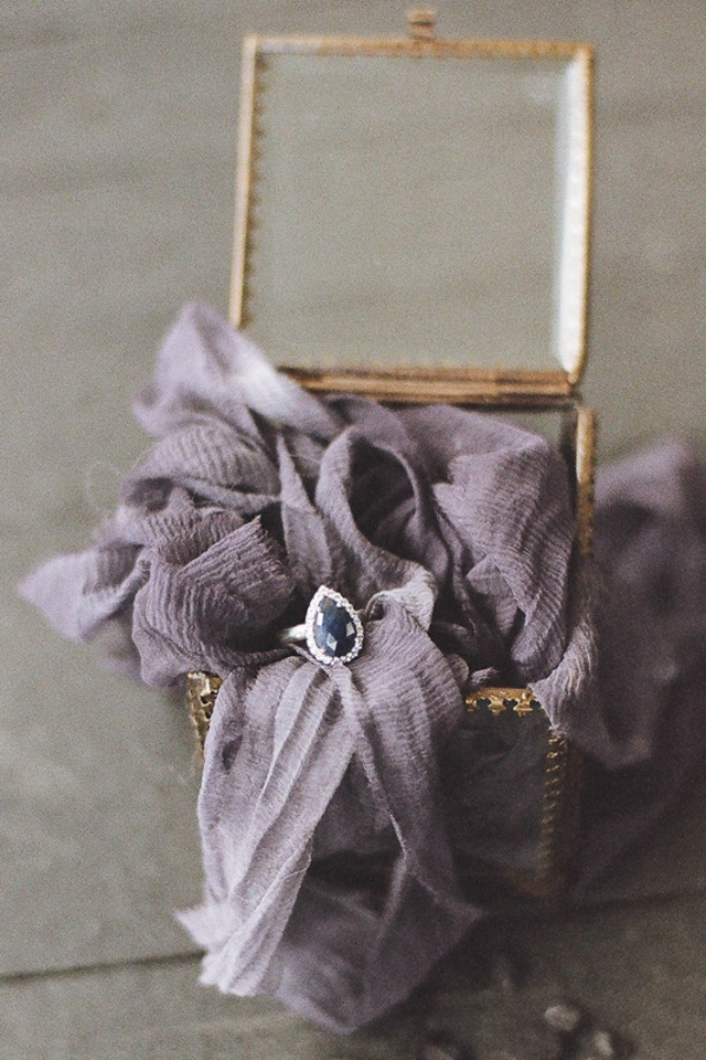 Pear shaped sapphire engagement ring | Jess Watson Photography