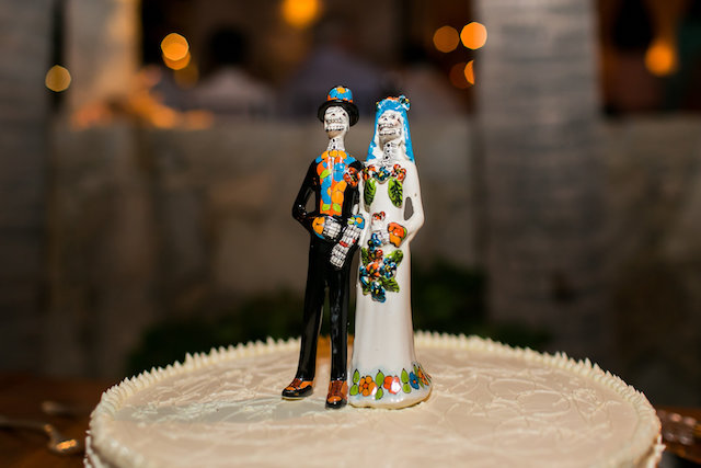 Mexican wedding cake topper | Ana & Jerome Photography