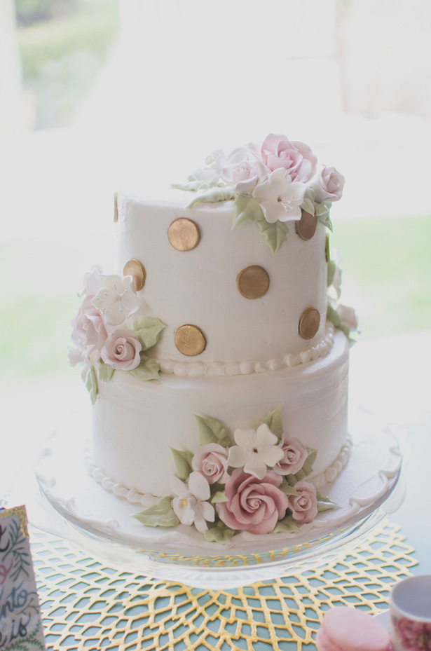 White Wedding cake - Paper Ban Photography