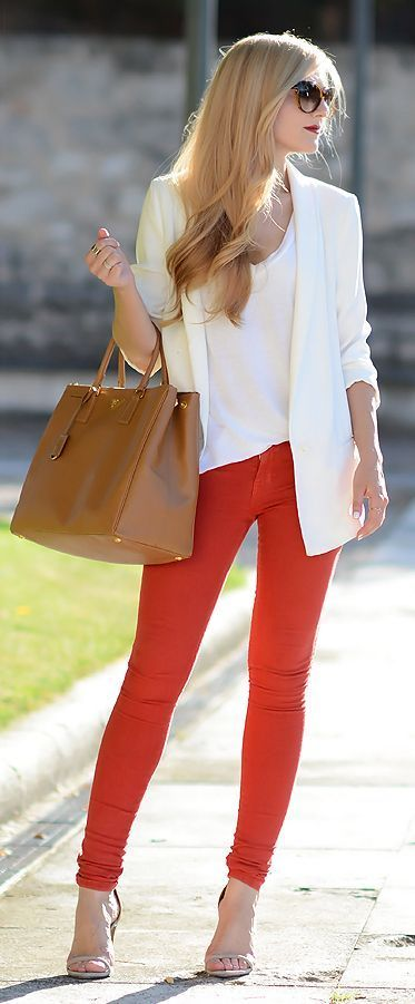 Stylish Outfits With Red Pants (16)