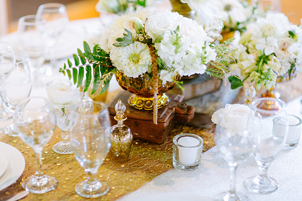 gold wedding accents - photo by Texture Photo http://ruffledblog.com/golden-sands-wedding-inspiration