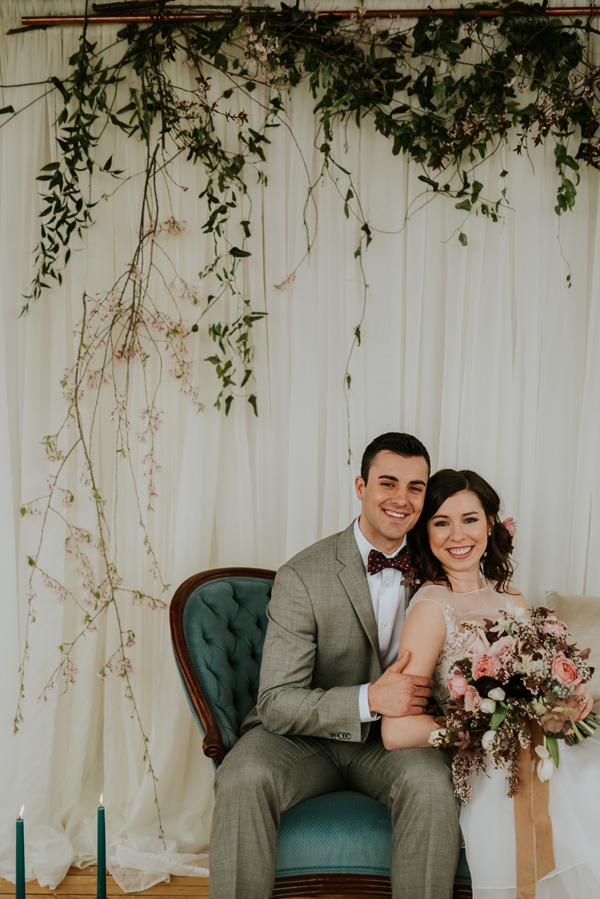 metallic wedding details - photo by Kate Touzel Photography http://ruffledblog.com/modern-metallic-wedding-inspiration
