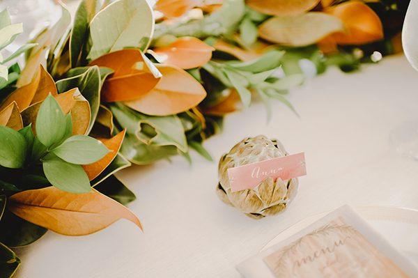 artichoke place cards - photo by L. Hewitt Photography http://ruffledblog.com/heirloom-inspired-island-wedding